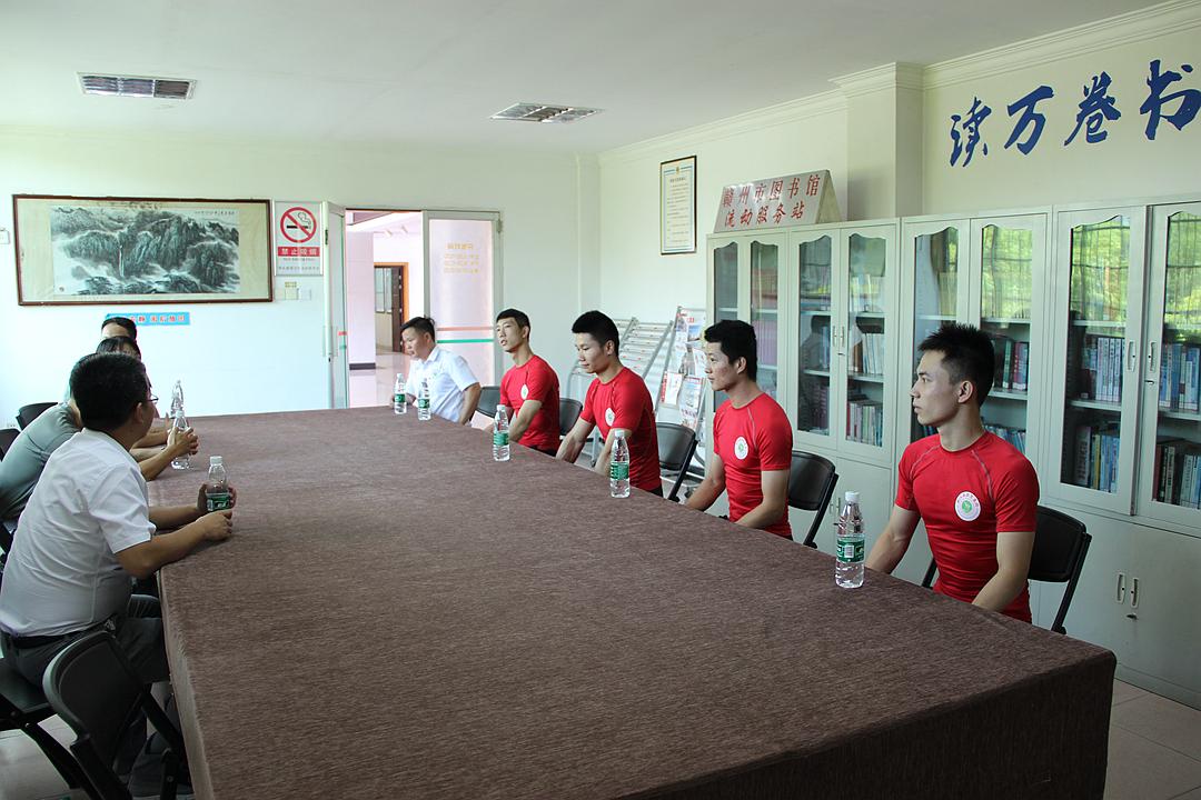 赣州mg电子游戏排行八一慰问部队活动1.jpg